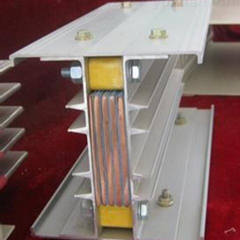 1480A空气绝缘型封闭母线槽