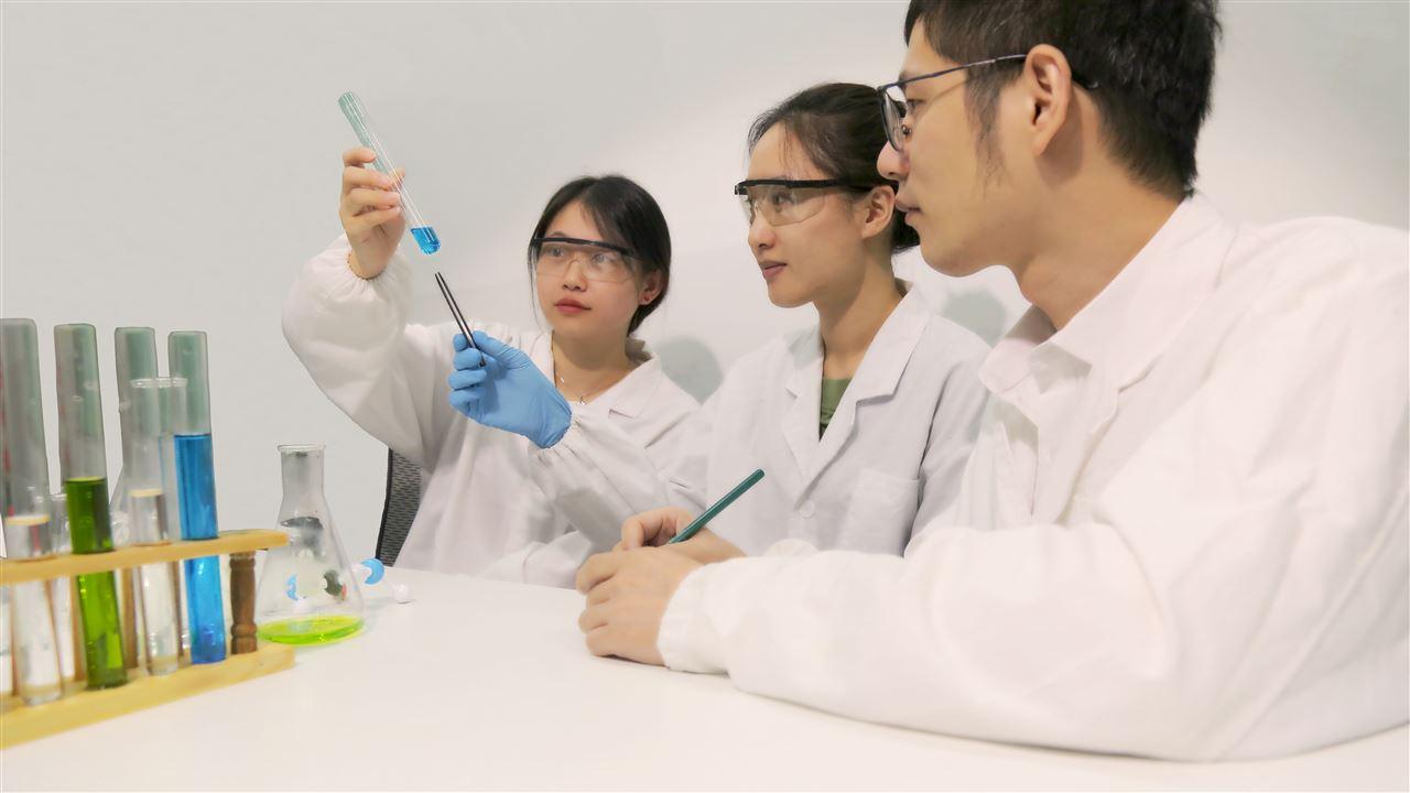 大連化物所等制備出無金屬鈣鈦礦單晶用于生物友好型X射線探測